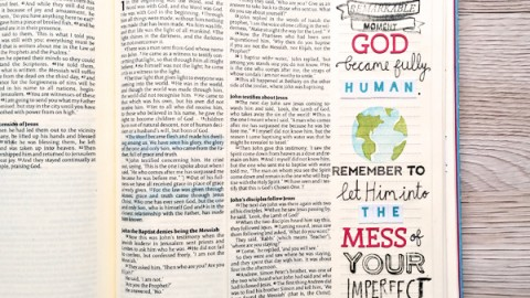Stephanie Baxter | Starting Journaling in Your Bible