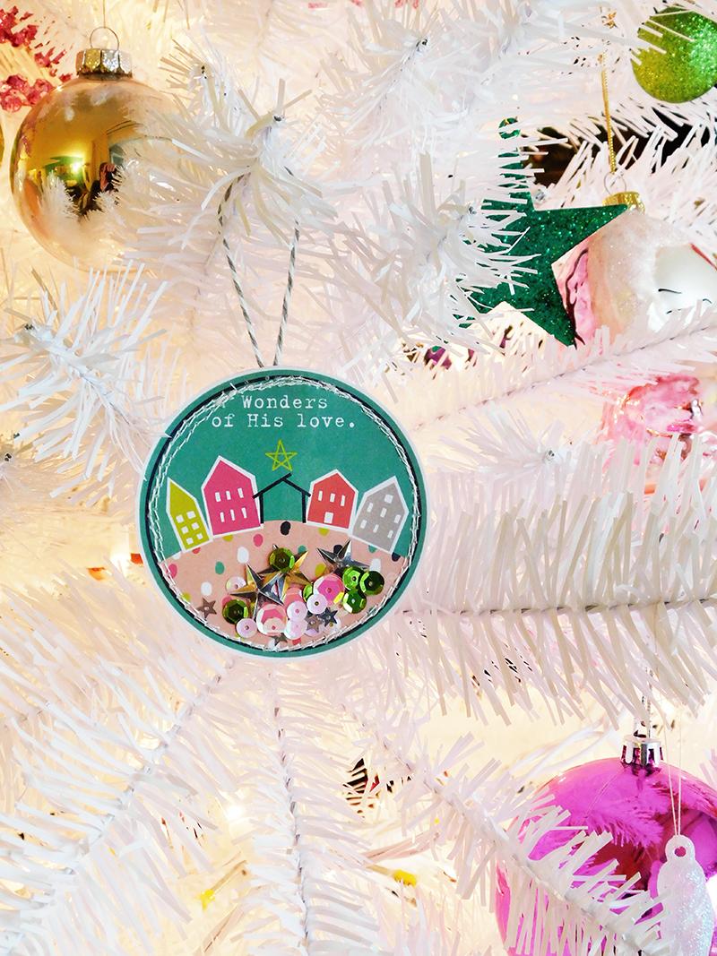hybrid DIY shaker Christmas ornament tutorial by Elaine Davis | Illustrated Faith printables