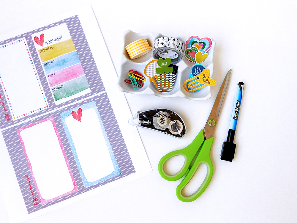 Making Dry Erase Scripture Cards from Printables which make great dashboards for traveler's notebooks or the fridge | Elaine Davis for Illustrated Faith Print & Pray Shop